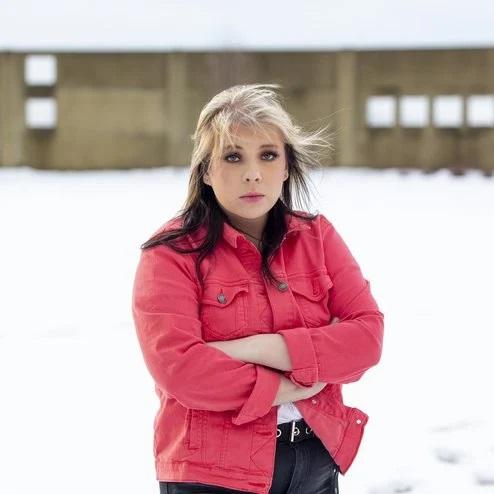 Kara Kristel opnar sína fyrstu sýningu í Hringekjunni við Þórunnartún í dag. Fréttablaðið/Valli